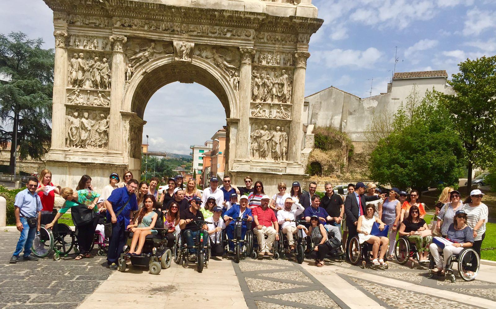 Benevento | Scarrozzata con carrozzine: via alle barriere architettoniche con la terapia occupazionale.