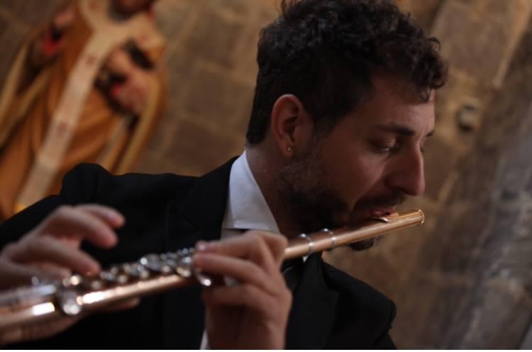 Valle Caudina | Il musicista Giuseppe Branca suonerà in Sri Lanka e Maldive.