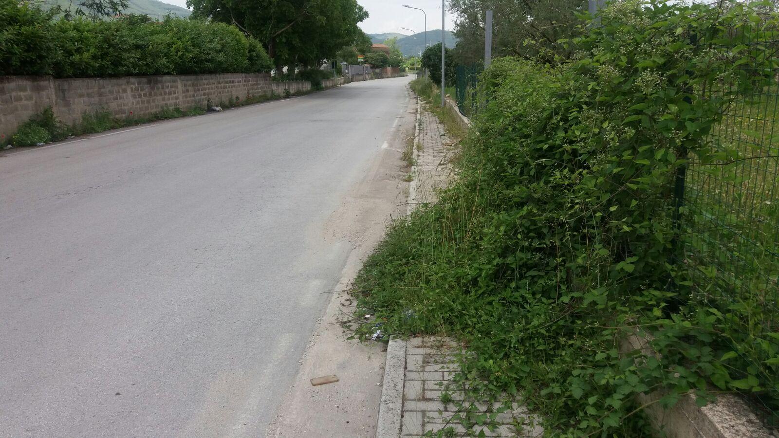 Airola, manutenzione verde: strade impraticabili