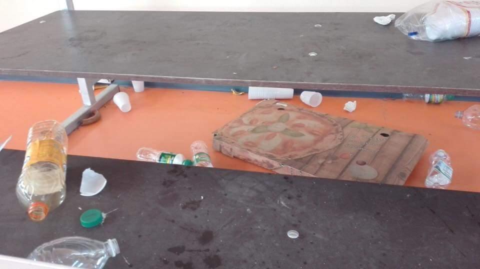 Durazzano, palestra-cassonetto rifiuti: protesta del Comune