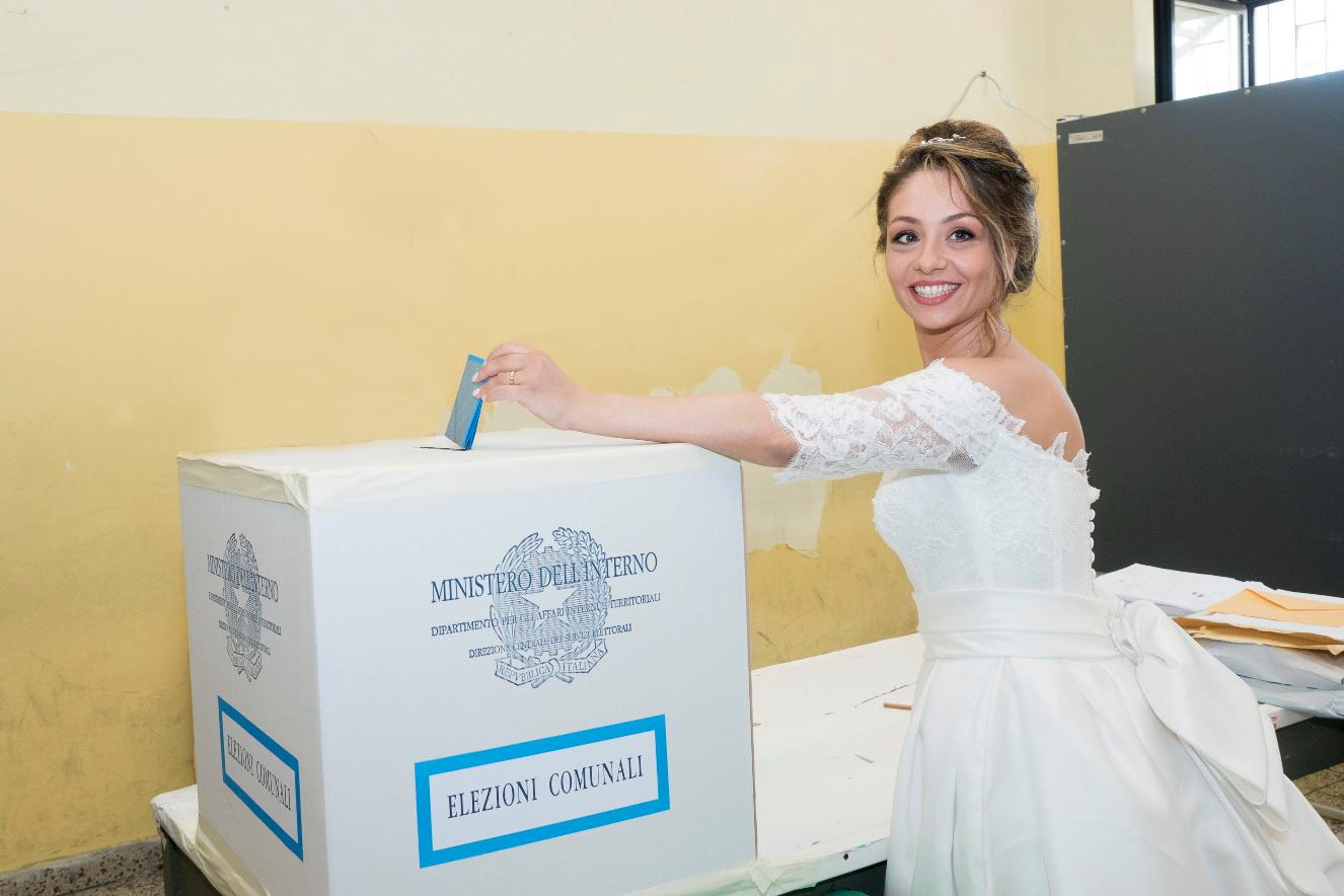Montesarchio: Al seggio elettorale in abito da sposa