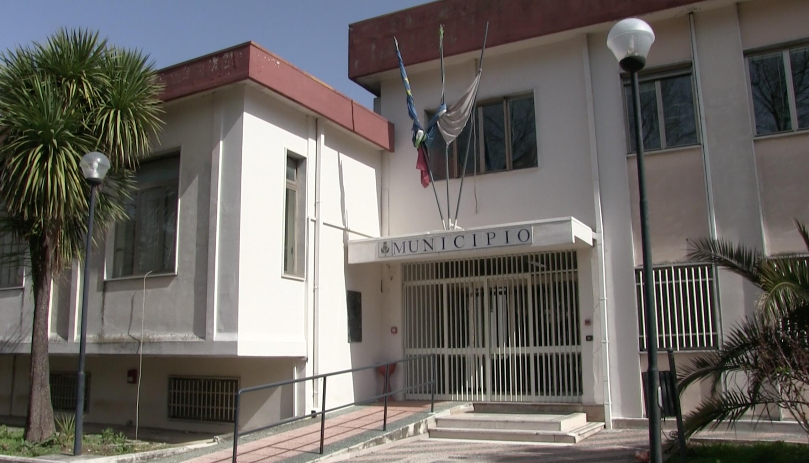 Moiano, Buonanno chiude le scuole