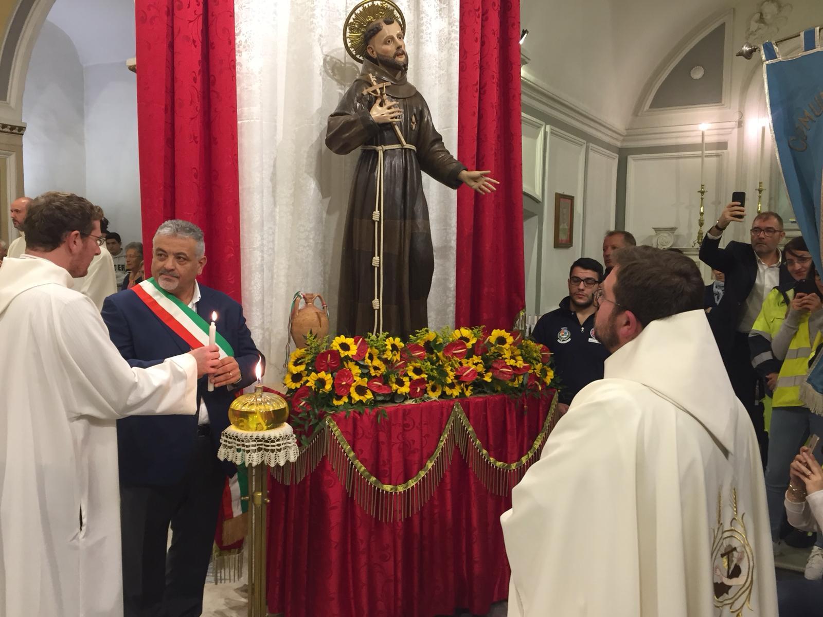 Airola, Matera accende lampada San Francesco
