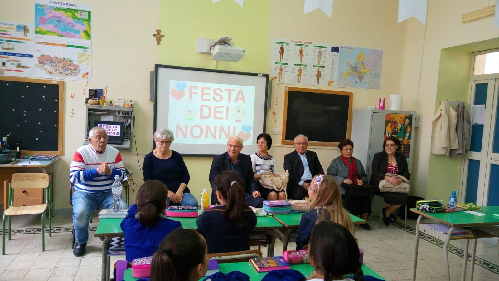 """Montesarchio   IC1: i Nonni """"maestri per un giorno"""""""