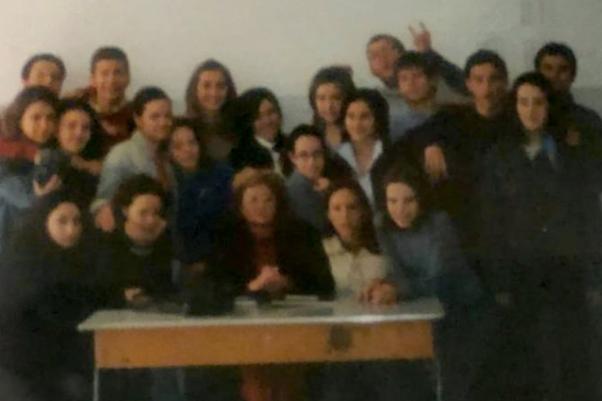 Montesarchio. Il ricordo della professoressa Di Lillo dei suoi alunni del 2003