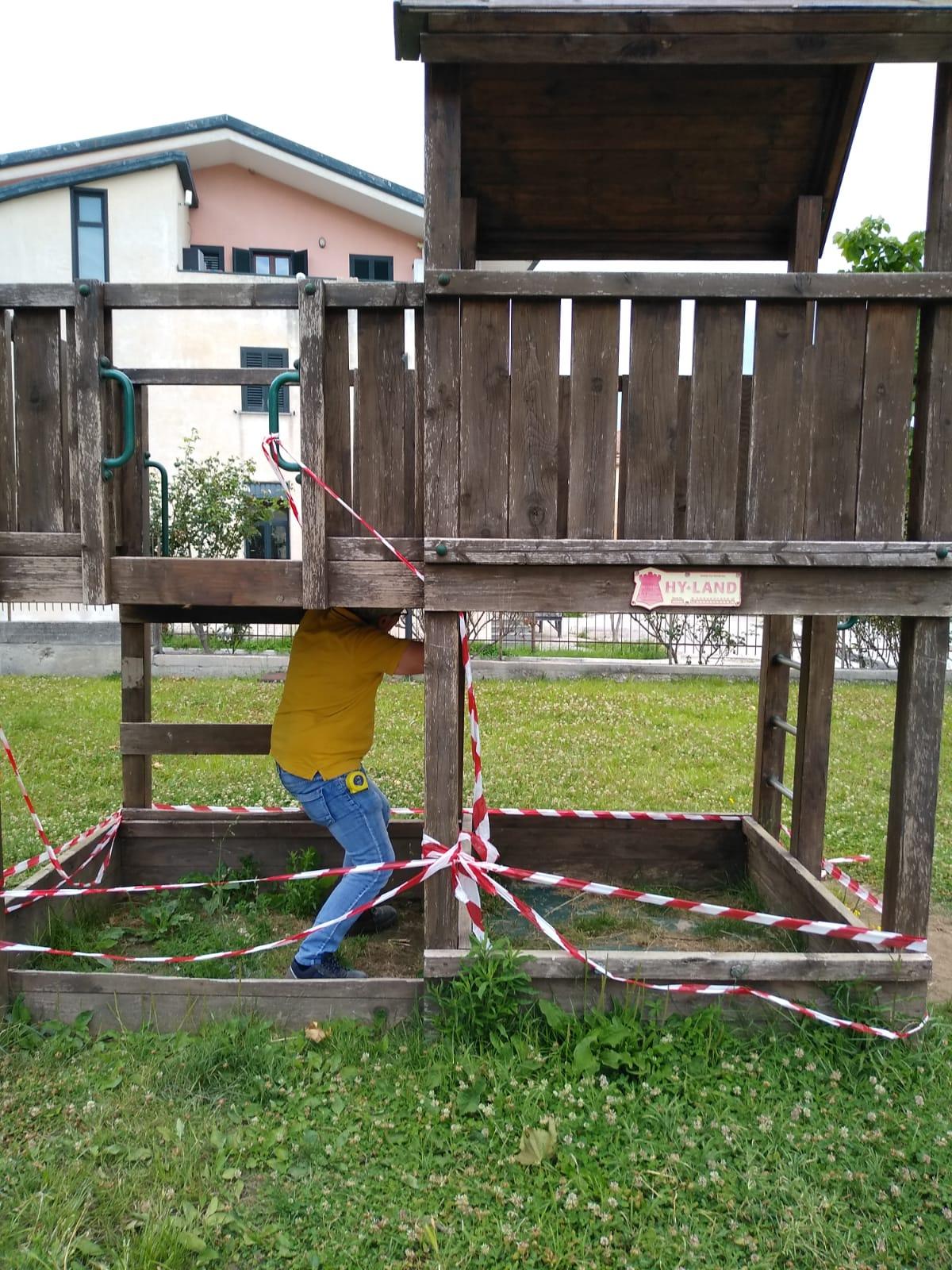 Moiano, vandalizzato il parco giochi