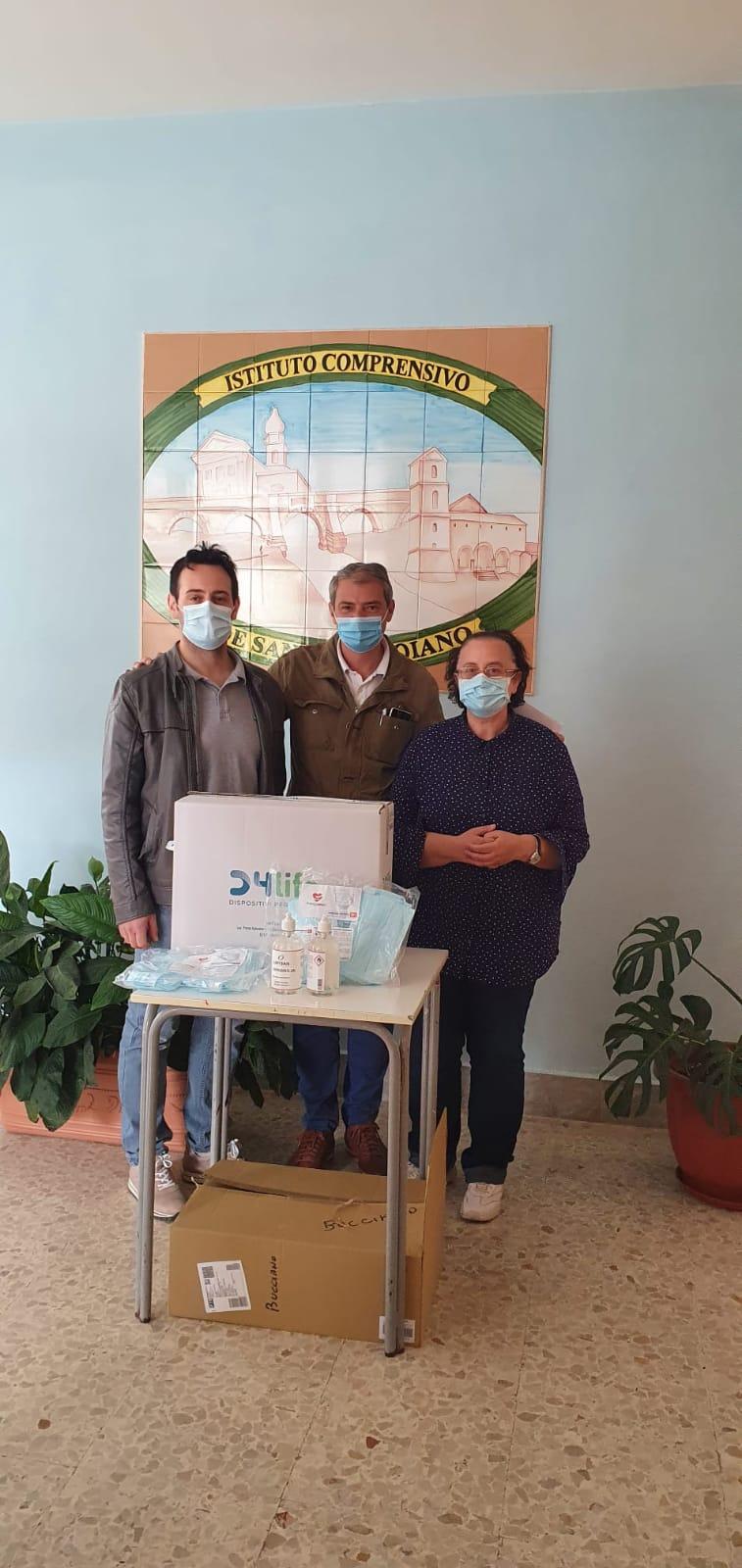 Azienda dona mascherine e gel a scuole di Bucciano