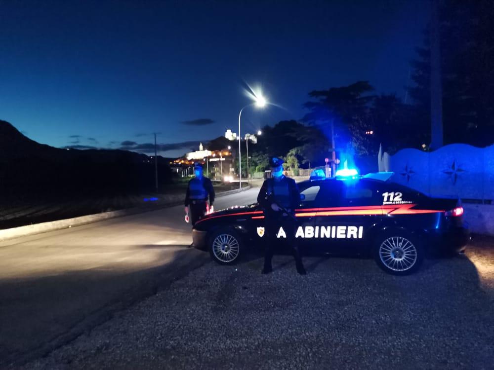 Pannarano, minaccia Carabinieri con coltello: arrestato