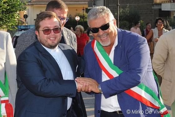 Bucciano. Il sindaco Matera ringrazia Don Antonio Macolino.