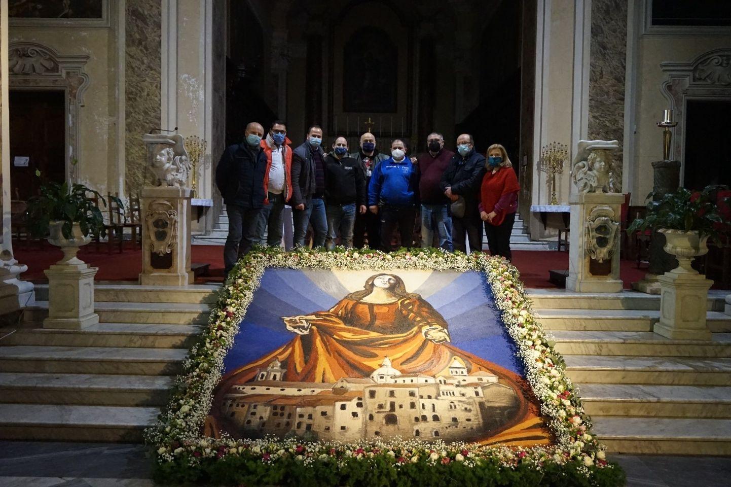 Sant'Agata de' Goti, Società operaia: omaggio alla Patrona