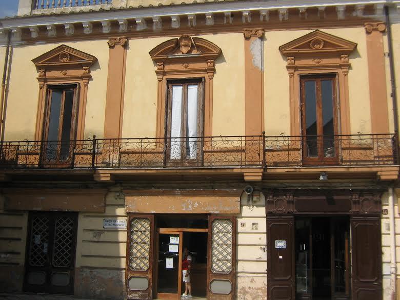 Sant'Agata de' Goti, Palazzo ex Banco di Napoli: gara al via