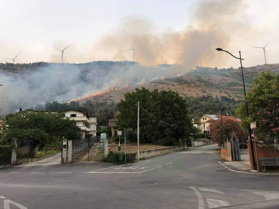 Durazzano, fiamme sul Longano: danni ingentissimi