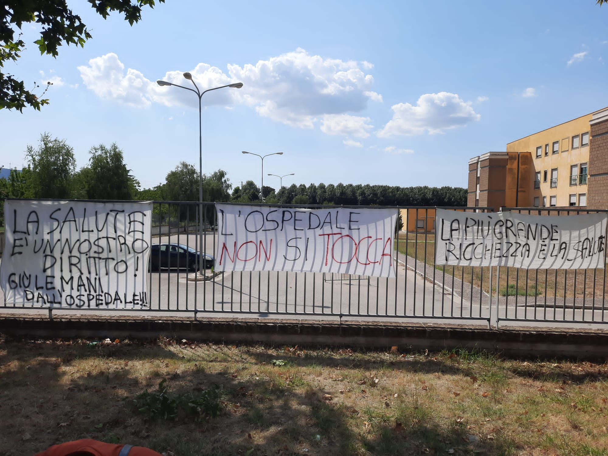 Ospedale Sant'Agata, è di nuovo protesta