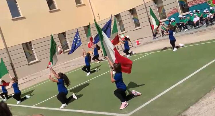 Sant'Agata, il balletto dell'Ic2 in diretta Rai